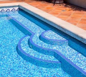 pool-mosaic1