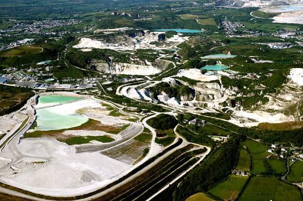 Добыча сырья для керамогранита в Китае