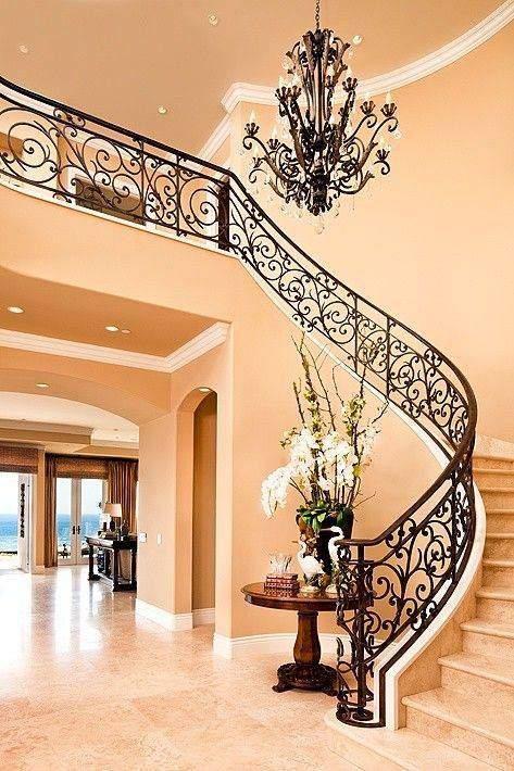 Персиковый цвет придает дому элегантность