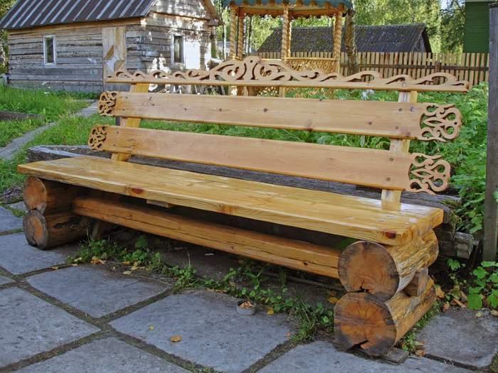Шлифованная и лакированная скамейка